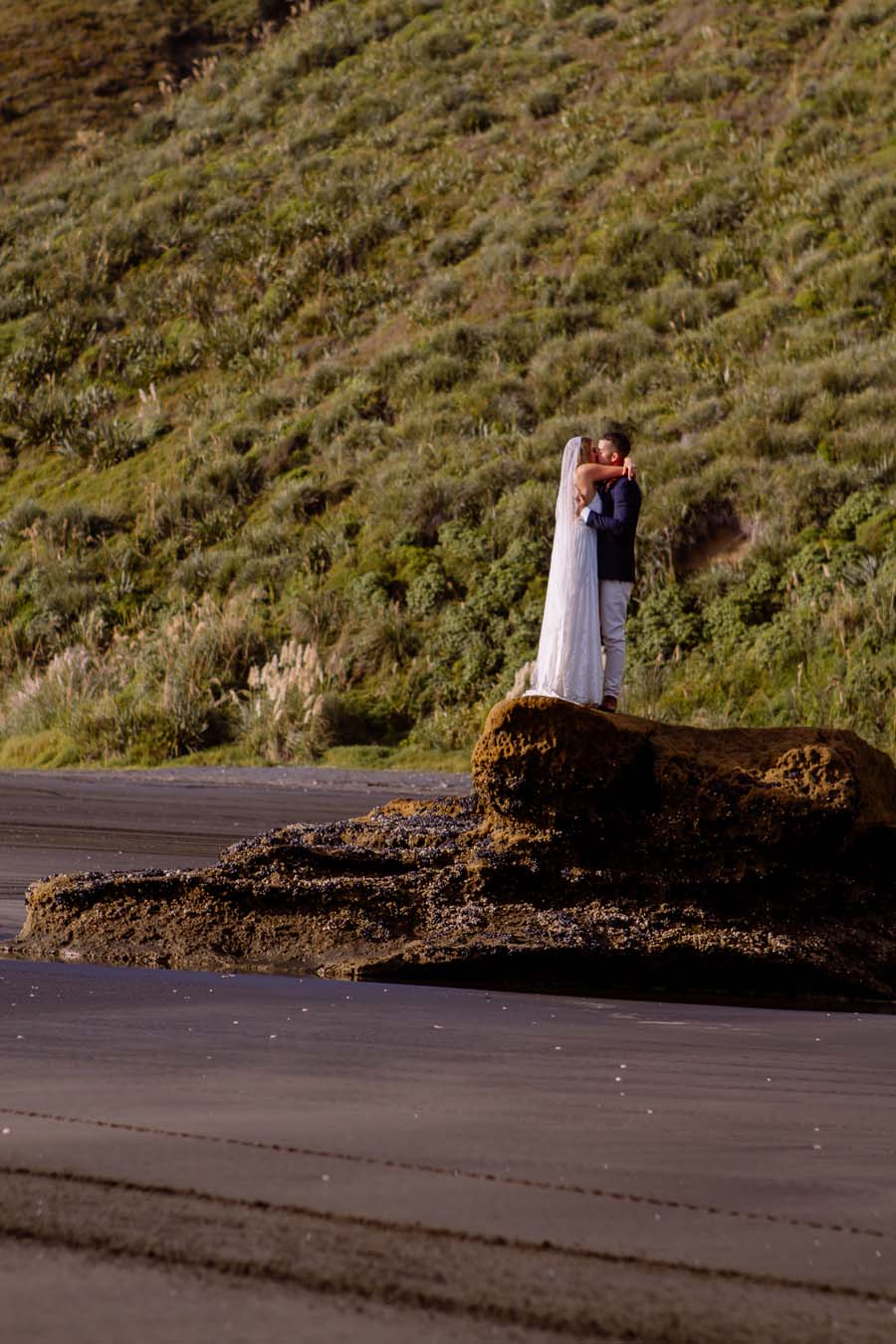 nz_wedding_photographer_castaways_waiuku-2575